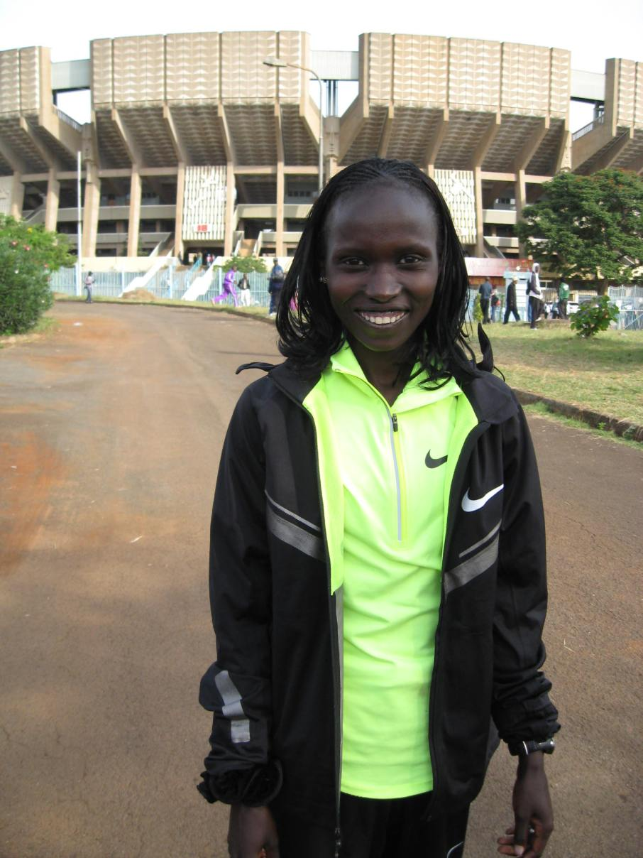 Vivian Cheruiyot all smiles after 10,000m win