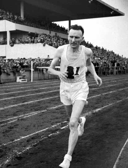 History's first sub-2:20 man, Jim Peters