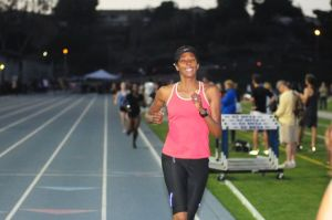 Toya finishes her 800 in Style (courtesy Betancourt Photography