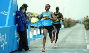 Bekele Holds off Farah at Great North Run