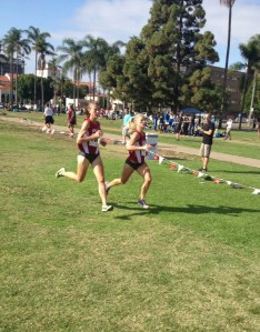 Dominique Scott & Grace Heymsfield, Arkansas, go 1-2 in women's Aztec 5K