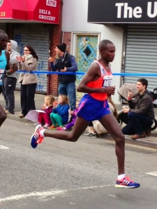 Geoffrey Mutai in 4:48 14th mile into Queens over Pulaski Bridge into stiff headwind culls the herd