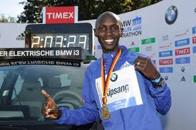 Wilson Kipsang sets world record in Berlin 2013