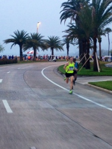 Ryan Vail takes lead in Tampa at mile 12.