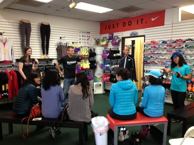 Todd Williams RunSafer clinic at Movin' Shoes in Pacific Beach