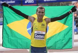 Gomes Dos Santos flies free in NYC 2006