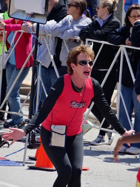 Cleveland 10k legend Anne Audain, 7X cvhampion, welcomes home We Run The City Program Kids.