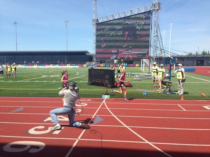 Connecticut's Hannah DeBalsi chases California's Bethan Knights with one to go in thrilling girl's 2-mile run.