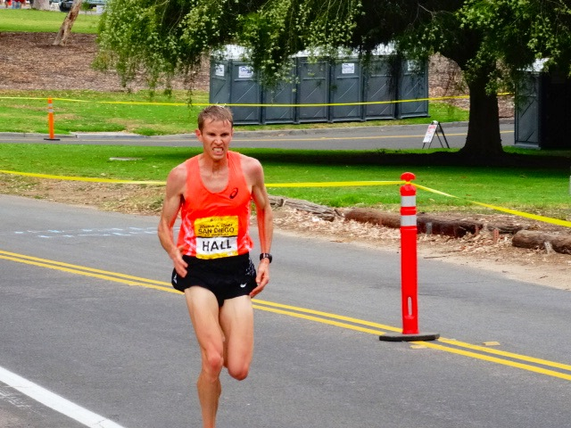 Ryan Hall shows grit in 13th place (1:02:51)