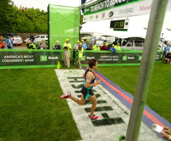 Dartmouth grad Ben True powers home in 3rd in 27:50, continuing his ascent toward the top.