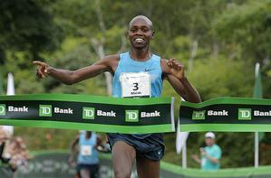 Micah Kogo captures 2013 B2B title