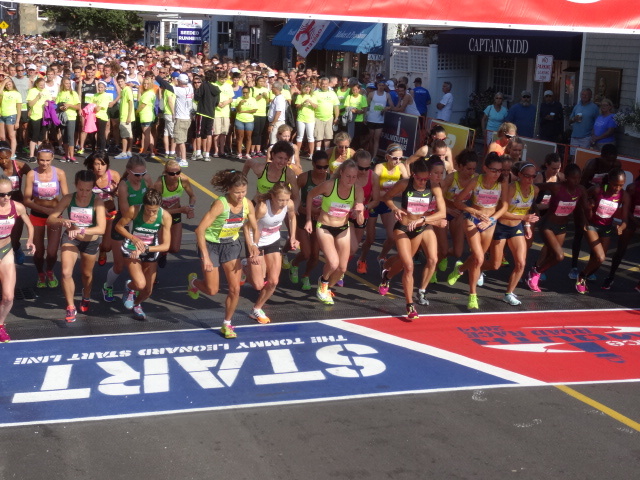 Pro women start 10 minutes ahead of the men and field