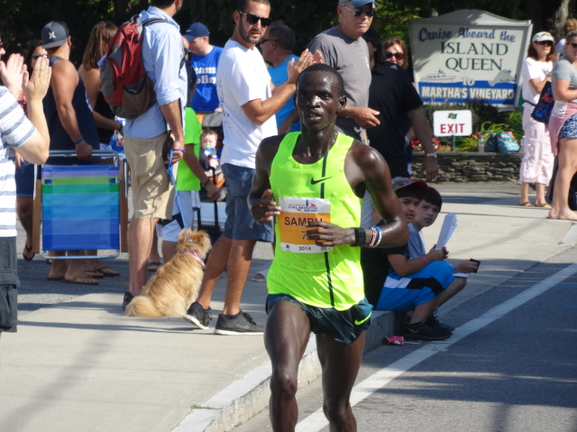 Sambu cruises past the Island Queen lot, a 4:30 6th mile, no reason to continue driving (27:12...28:09 at 10K