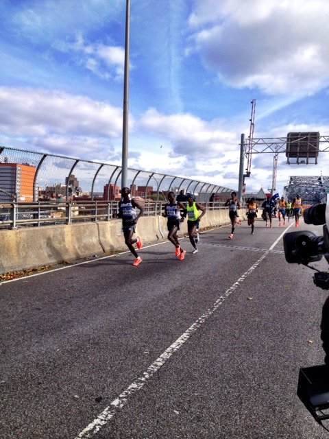Kipsang breaks off Madison Avenue Bridge at 21 miles. Mutai, Desisa and Gebremariam answer