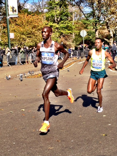 Wislon Kipsang battles Lelisa Desisa for 2014 New York title.