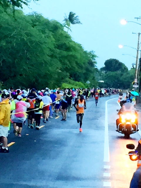 With thousands of runners still outbound on Diamond Head at 8 miles, Wilson Chebet breaks free from Paul Lonyagata approaching 40K.