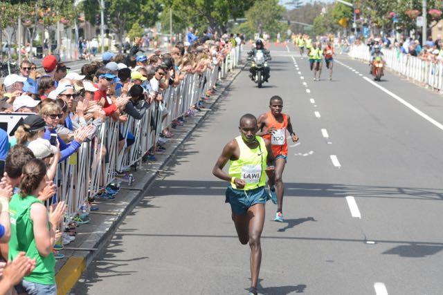 Lawi maintains his advantage (courtesy Bob Betancourt Photography)
