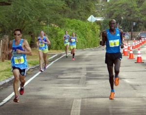 Peter Kirui roaring down Diamond Head toward 3rd place Chase finish 2014