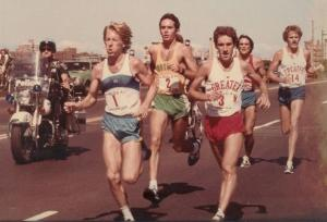 Hodgie (in red) battling Rodgers, Salazar, Roche & Thomas at 1979 Freedom Trail Road Race in Boston