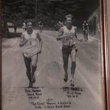Bob Hodge (left) battles Bill Rodgers at inaugural Litchfield