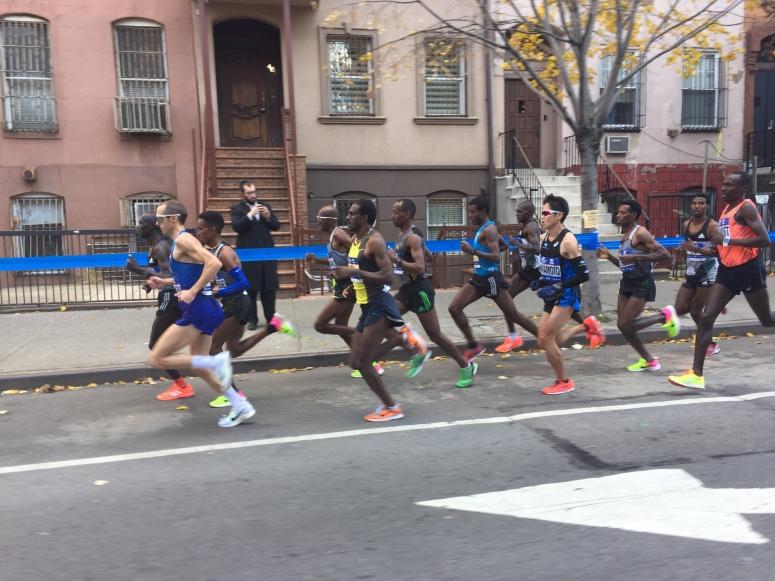 Ritz still driving 12-man pack at 15K - 45:45