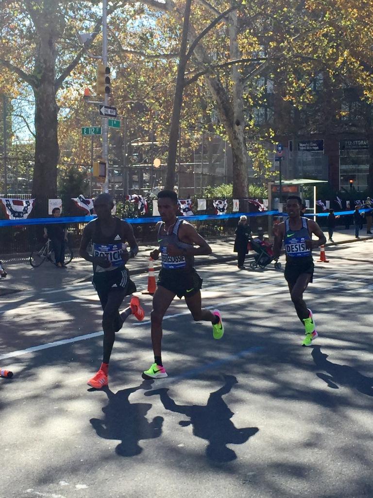 Ghebrslassie takes control. 17th mile in 4:35, 18th mile in 4:38, 19th in 4:48, all into headwind